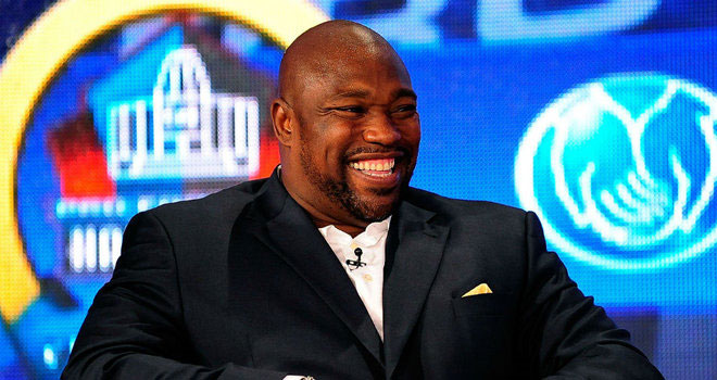 Warren Sapp makes the real Hall of Fame